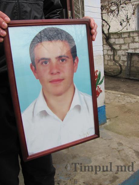 vadim pisari COMUNICAT: Scrisoare de protest impotriva asasinarii tanarului Vadim Pisari. Luni si Marti manifestatii in fata Ambasadei Rusiei la Bucuresti