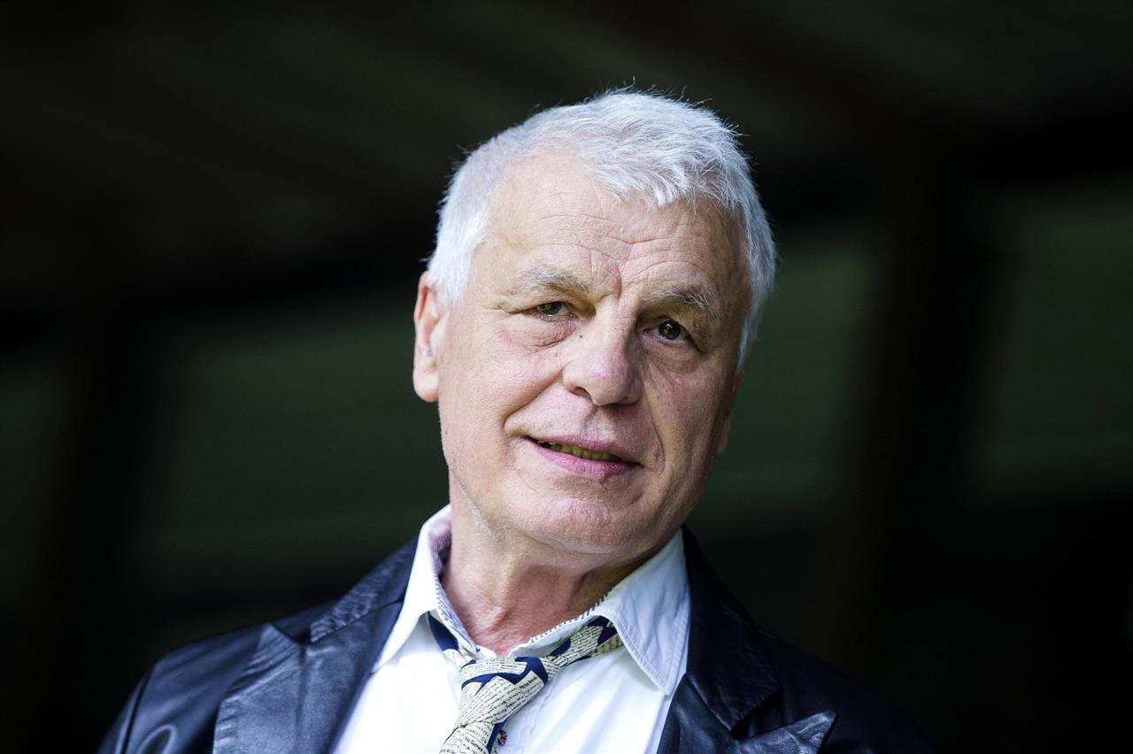 Îl mai ții minte pe comisarul Corrado Cattani din serialul Caracatița? Uite cum arată acum   Actualitate