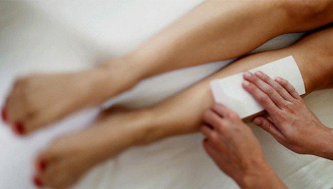 Cum să procedeze o fată care are păr din abundenţă pe mâini şi pe picioare?