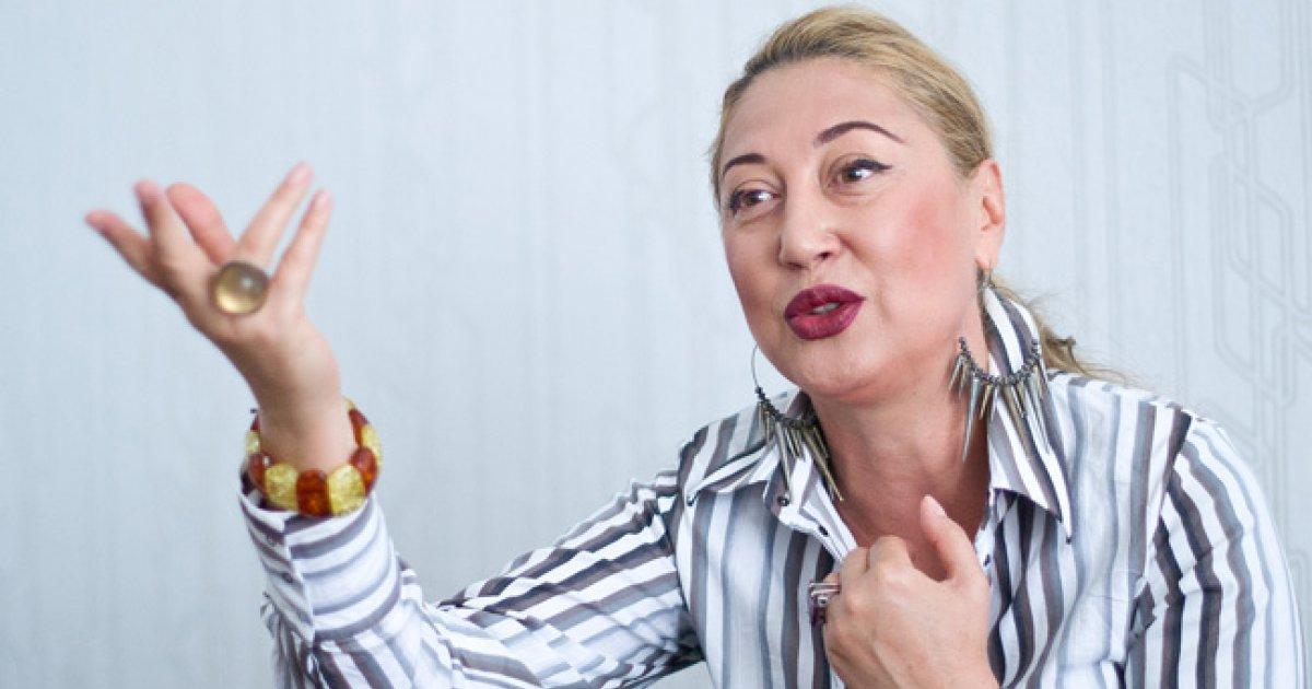 """Nelly Cozaru: """"Sunt o rebelă solitară""""   Interviu"""