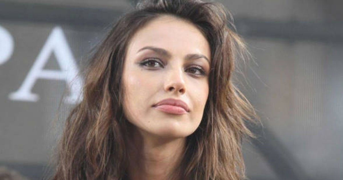 o româncă de 35 de ani a ajuns în calendarul celor mai arătoase persoane care nu şi