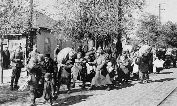 """12 iunie 1941 - primul val al deportărilor .""""Eliberatorii"""" cu stea în frunte i-au trimis pe moldoveni la moarte în Gulag"""