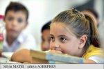 """Sondaj: Peste jumătate dintre părinții din mediul urban ar alege """"învățarea acasă"""""""