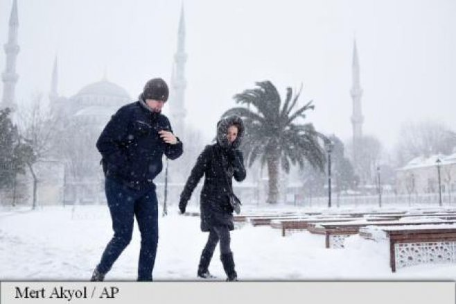 Imagini pentru zapada si frig polar in europa