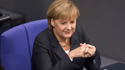 Merkel: Germany to Continue Buying Russian Gas amid Coal Phase-out
