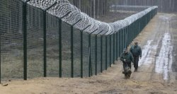 Latvia builds 93 km-section of fence with barbed wire on border with Russia