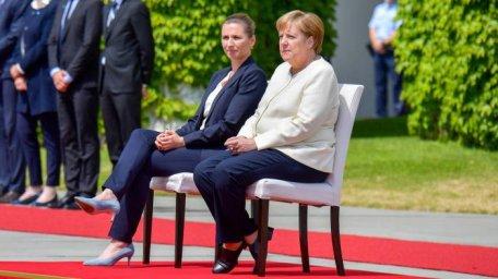 """Germania: """"Cenzură"""" la CDU privind tremuratul lui Merkel"""
