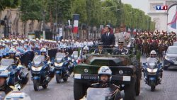 VIDEO. Emmanuel Macron, huiduit la parada de Ziua Franței