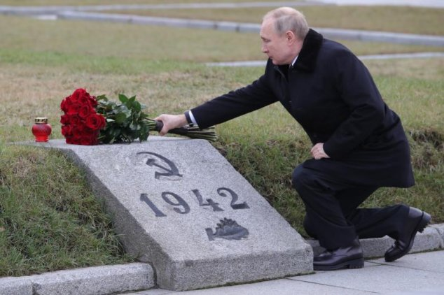 Vladimir Putin Wants to Rewrite the History of World War II