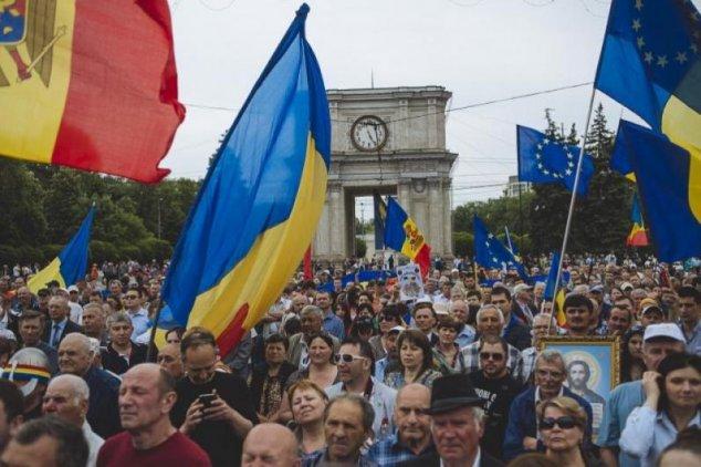 Pentru aderarea Moldovei în UE pledează 60% dintre cetățenii. Pentru Igor Dodon ar vota DOAR 35%