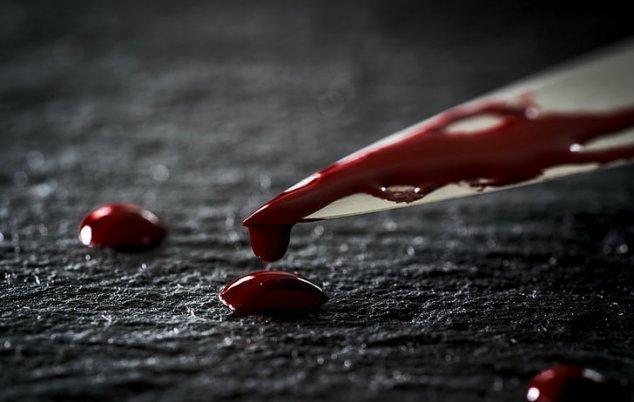 Crimă la STRĂȘENI. Un bărbat și-ar fi înjunghiat soția, cu care se află în proces de divorț și a lăsat-o să zacă într-un șopron