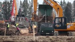 Coronavirus: Temporary hospital being built in Moscow