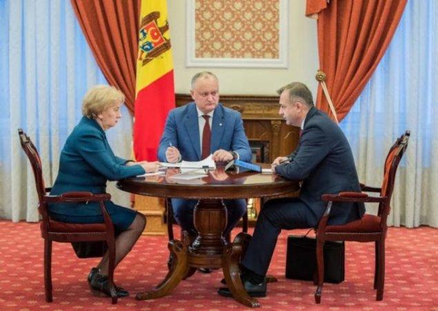 ULTIMA ORĂ // Guvernarea Dodon&Chicu a decis SĂ TAIE din salariile ...
