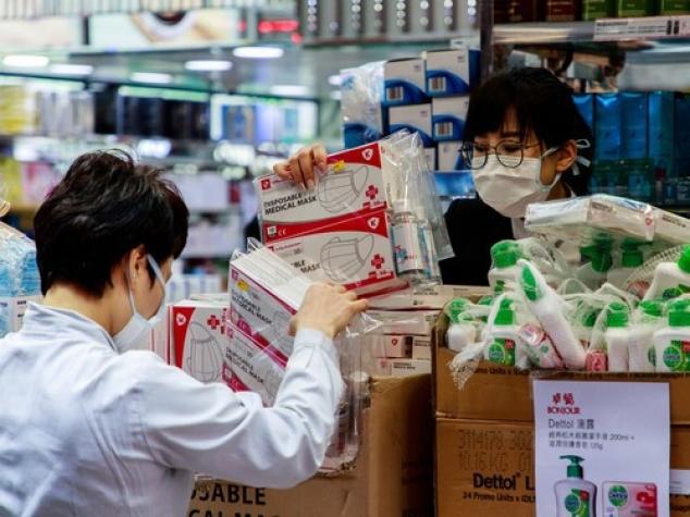 Se teme de al doilea val sau vrea să șantajeze Occidentul? China preia din nou controlul fabricilor de echipamente de protecție